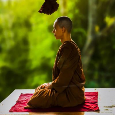 瞑想のやり方で簡単に効果が出るのは?初心者におすすめの方法を解説