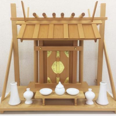 神社のお札の飾り方!薄紙・方角・神棚がない時の正しい方法を解説